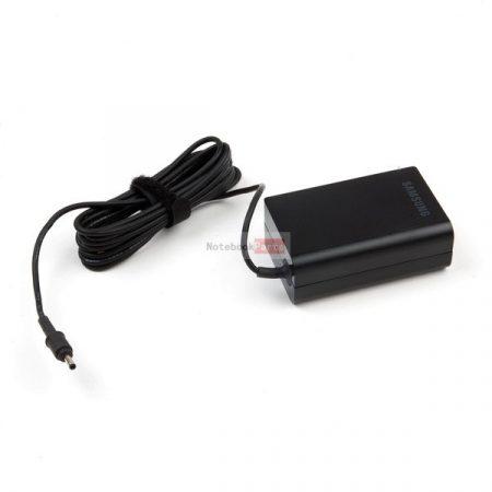 SAMSUNG 40W Gyári laptop tápegység vékony, <3.0*1.1mm> csatlakozóval